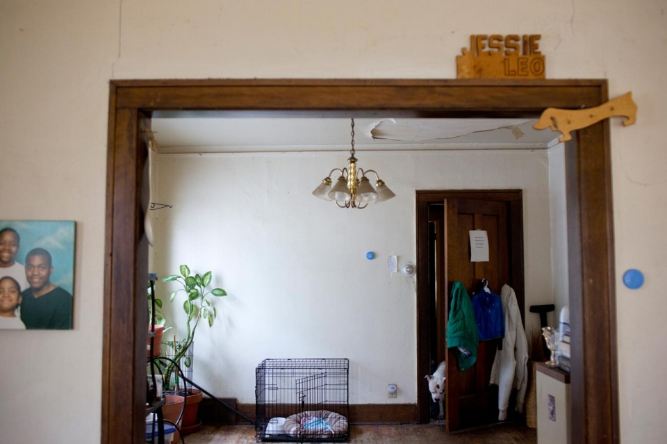 Photos Inside A Detroit Foreclosed Home Al Jazeera America