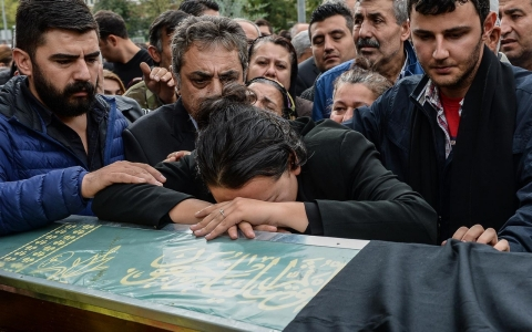Thumbnail image for Photos: Mourning the victims of the Ankara attacks