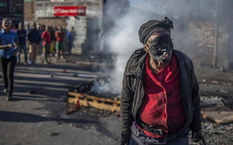 Thumbnail image for Photos: Anti-foreign riots in South Africa