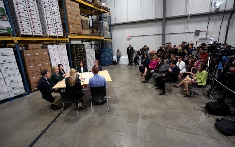 Thumbnail image for Photos: Hillary Clinton begins her presidential campaign in Iowa