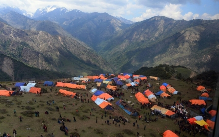photos nepal struggles to get relief to earthquake
