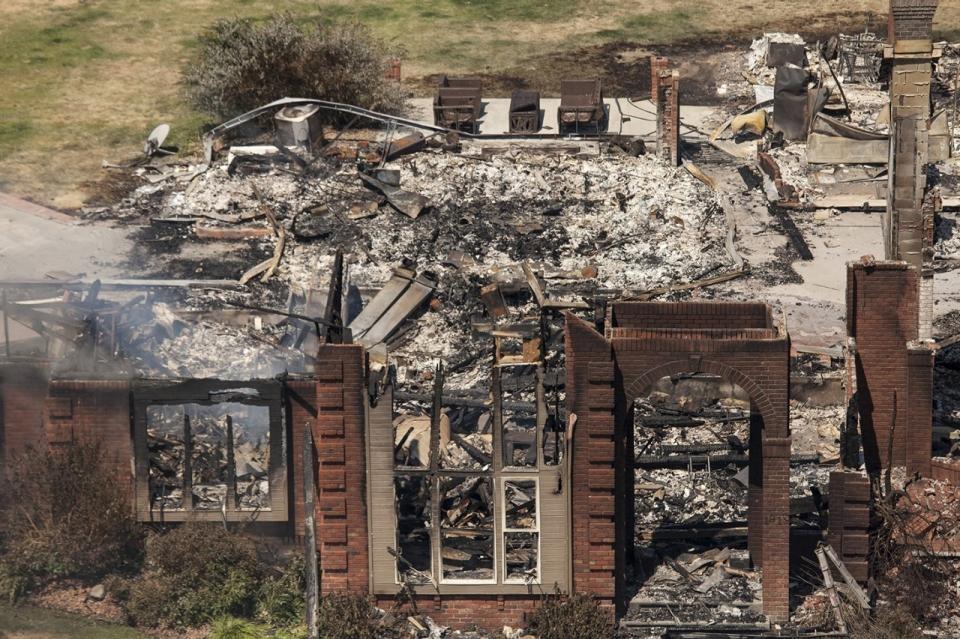 Photos washington wildfire destroys 24 homes al jazeera for American home builders washington