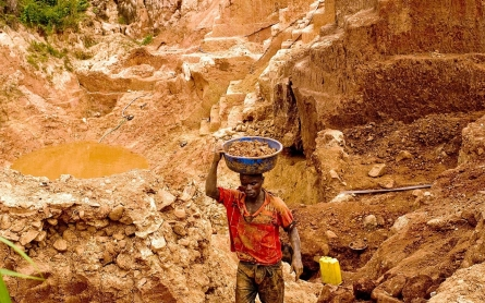To gut conflict minerals rule, trade associations turn to First Amendment