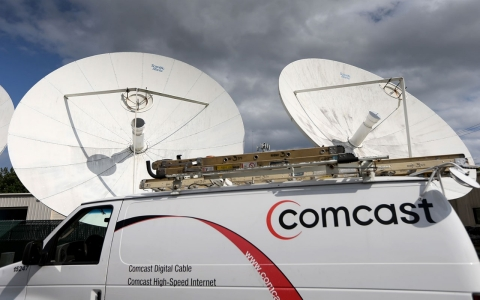 comcast truck time warner cable
