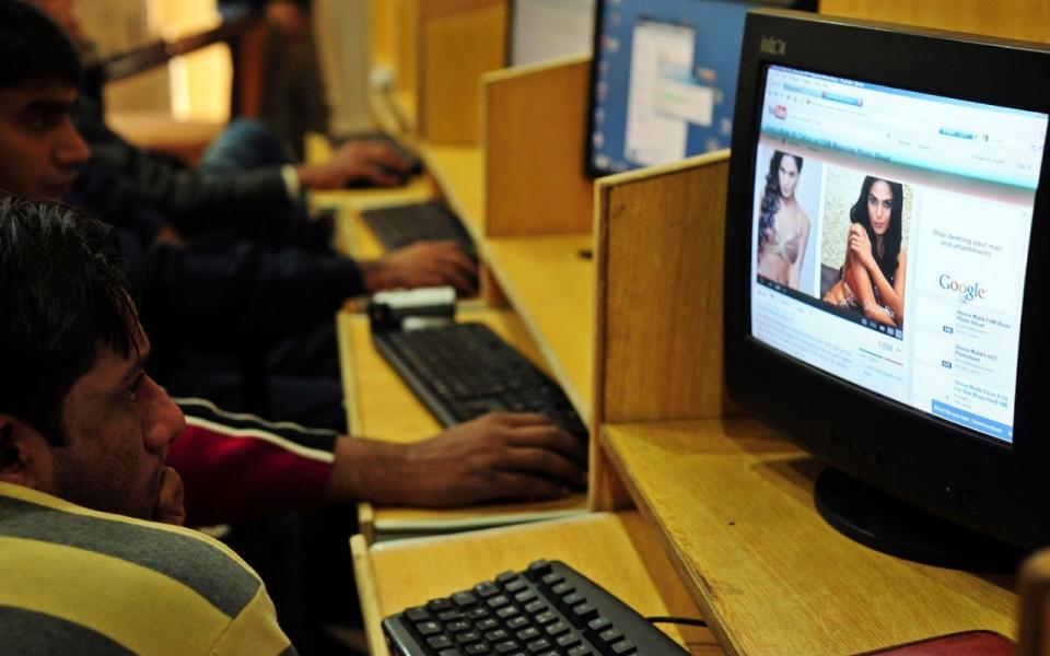Write a speech online
