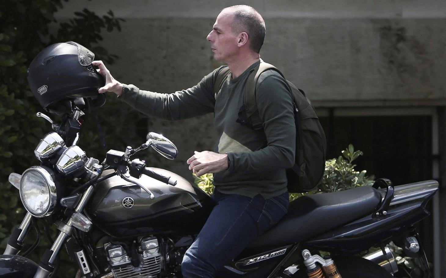 Yanis Varoufakis Is More Than His Clothes Al Jazeera America