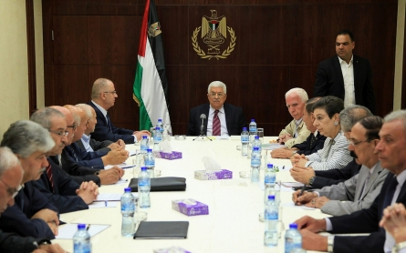 Abbas quits to tighten his grip