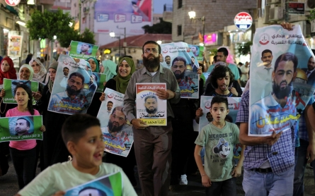 Israel must end force-feeding of hunger-striking Palestinian prisoners
