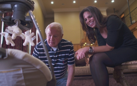 Edwin Edwards looks at his newborn son with Soledad O'Brien.