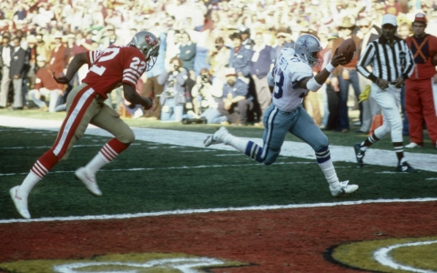 Dallas Cowboys running back Tony Dorsett (33) scores a touchdown during the NFC Championship Game in January 1982. Dorsett played until 1988.