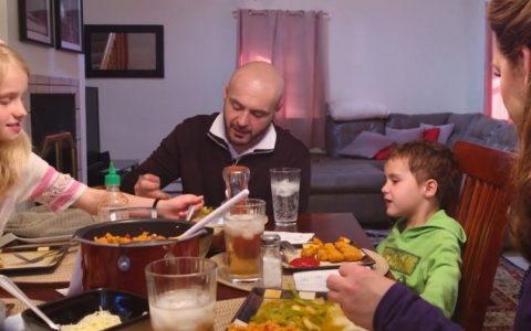 New Mexico dad Rob Manzanares eats with his fiancée and the three children they're raising.