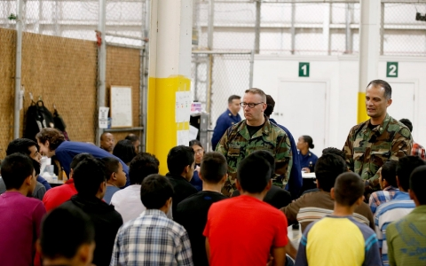 Thumbnail image for US plans child migrant processing center in Texas warehouse