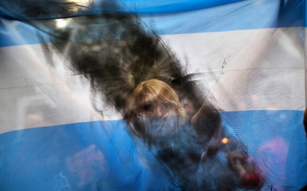 Murder or suicide? A divided Argentina