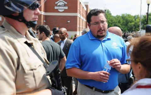 Thumbnail image for Ferguson mayor: I regret saying there was no racial divide