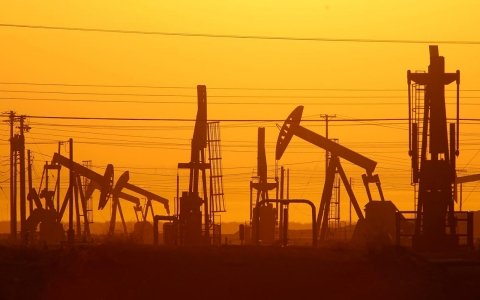 Thumbnail image for California communities mount protests against fracking, oil drilling