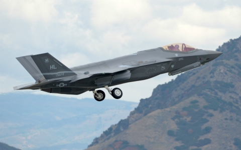 An Air Force F-35A takes off from Hill Air Force Base, Utah.