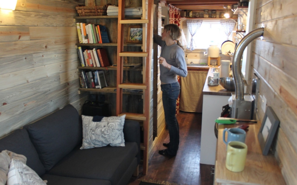 Building A Tiny House 39 Get A Glimpse Inside A Miniature