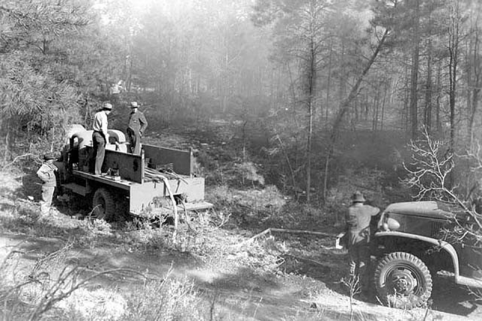 1947 Jeep Truck >> Photos: Fire in the USA in 21 images | Al Jazeera America