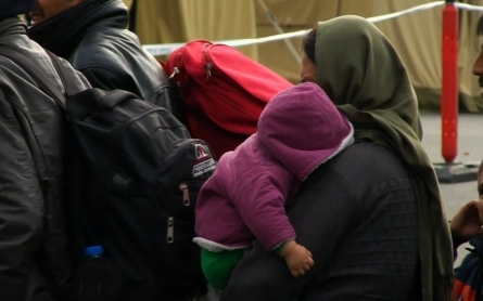 Croatian officials ease restrictions, allow refugees to move