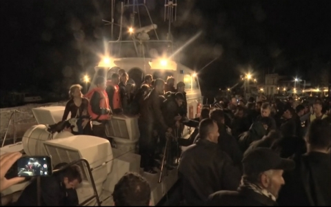 Thumbnail image for Boat carrying refugees sinks off Greek coast