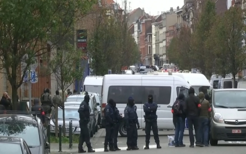 Thumbnail image for Belgian police raid home in Brussels searching for Paris suspect