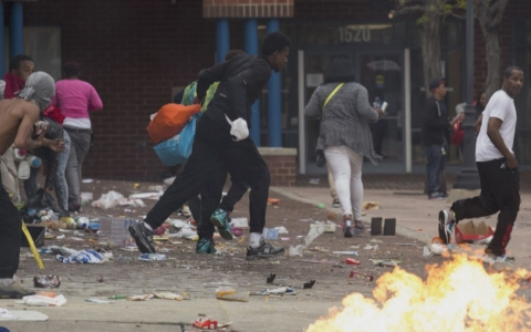 Thumbnail image for Baltimore Mayor imposes week-long curfew over unrest in the city