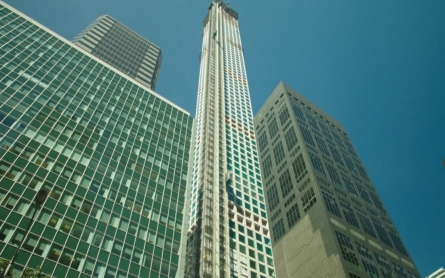 Super-tall skyscrapers the rage in New York real estate