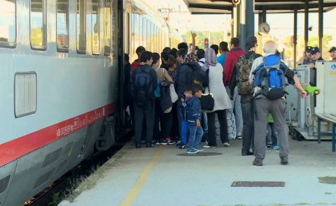 Thumbnail image for Slovenia helps refugees with new destinations