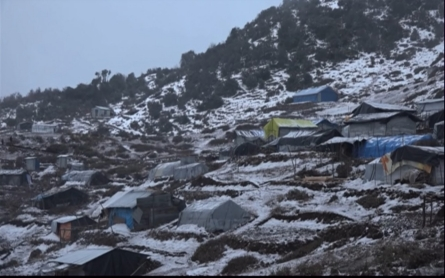 Nepal snow storms threaten lives