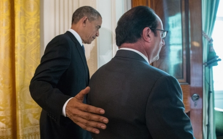 Hollande visits Obama at the White House