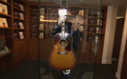 John Lennon's guitar to be sold at auction