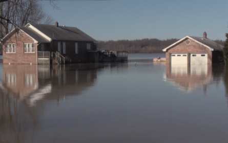 Southern US states brace for surging water levels