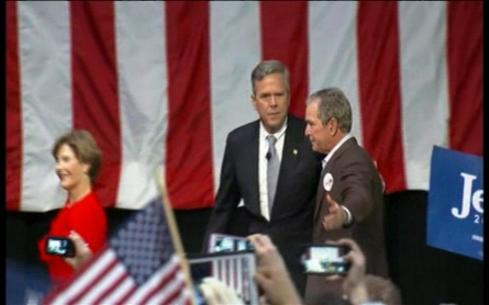 George W. Bush and Jeb Bush share the stage on campaign trail
