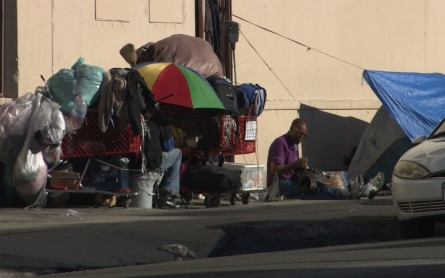 Los Angeles adopts ambitious plan to end homelessness