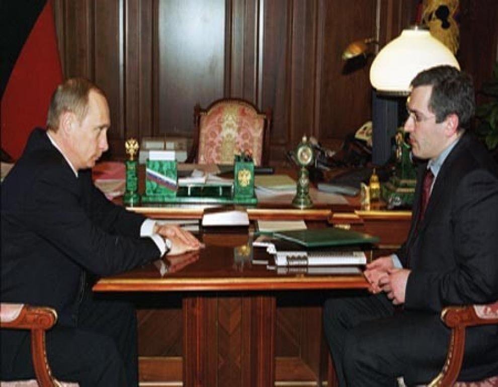 http://america.aljazeera.com/content/ajam/watch/shows/real-money-with-alivelshi/Mikhail-Khodorkovsky/jcr:content/mainpar/textimage/image.adapt.990.high.170970591_2002-Khodorkovsy-with-Putin.1413992079046.jpg