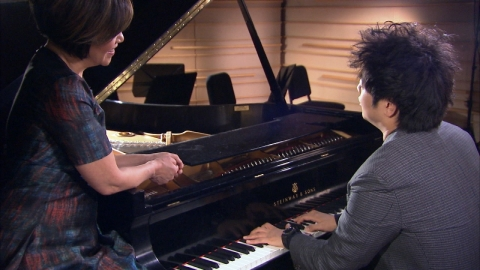 Lang Lang speaks to Joie Chen