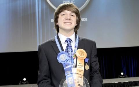 Jack Andraka wins an award for his new pancreatic cancer test.