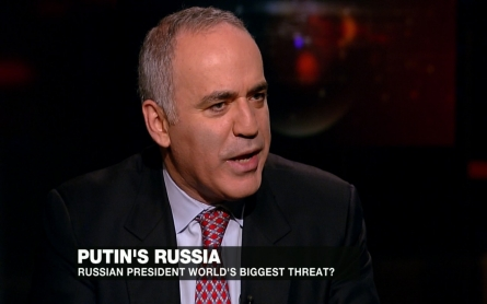 Garry Kasparov on Putin and comparing him to Hitler